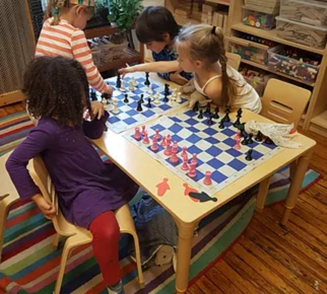 children-playing-chess